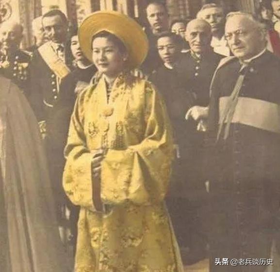還原越南末代皇后年輕時的樣子,有著絕世容顏,但命運凄慘
