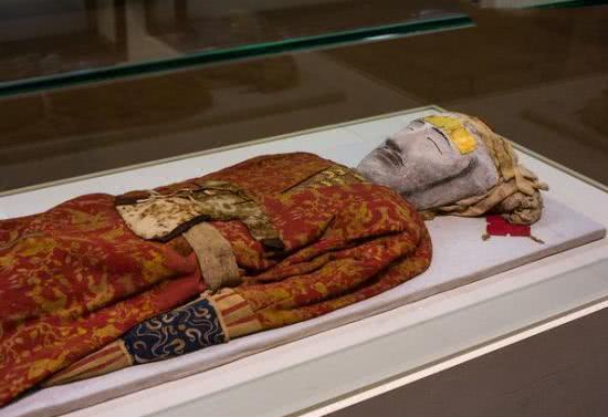 古墓中發現漢代美男,展覽時卻嚇跑很多游客,現在禁止出境