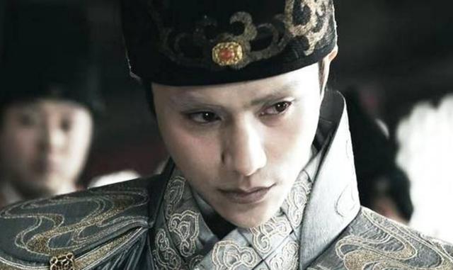 他被譽千古賢宦第一人,權傾朝野卻不亂朝綱,舊主駕崩他吐血而亡
